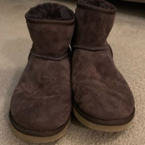 EUC Classic Mini UGGS in Brown